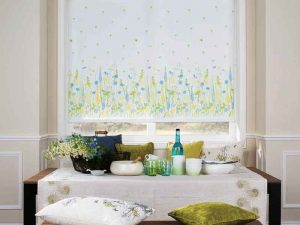 Floral decor morning glory blind