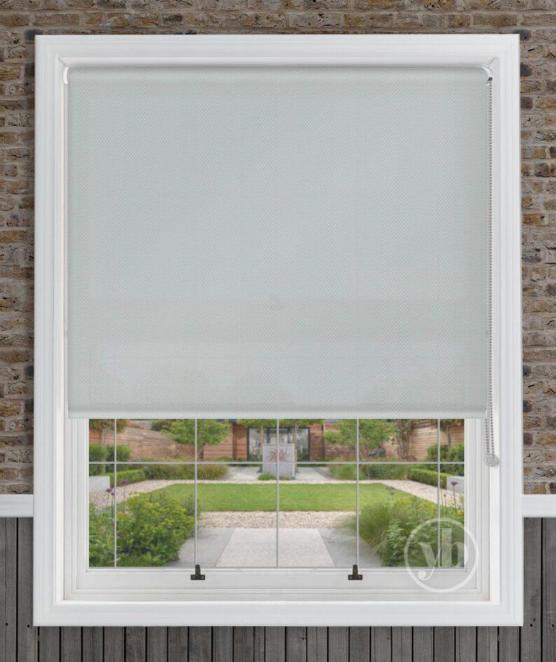 1.Ariana-Grey-window