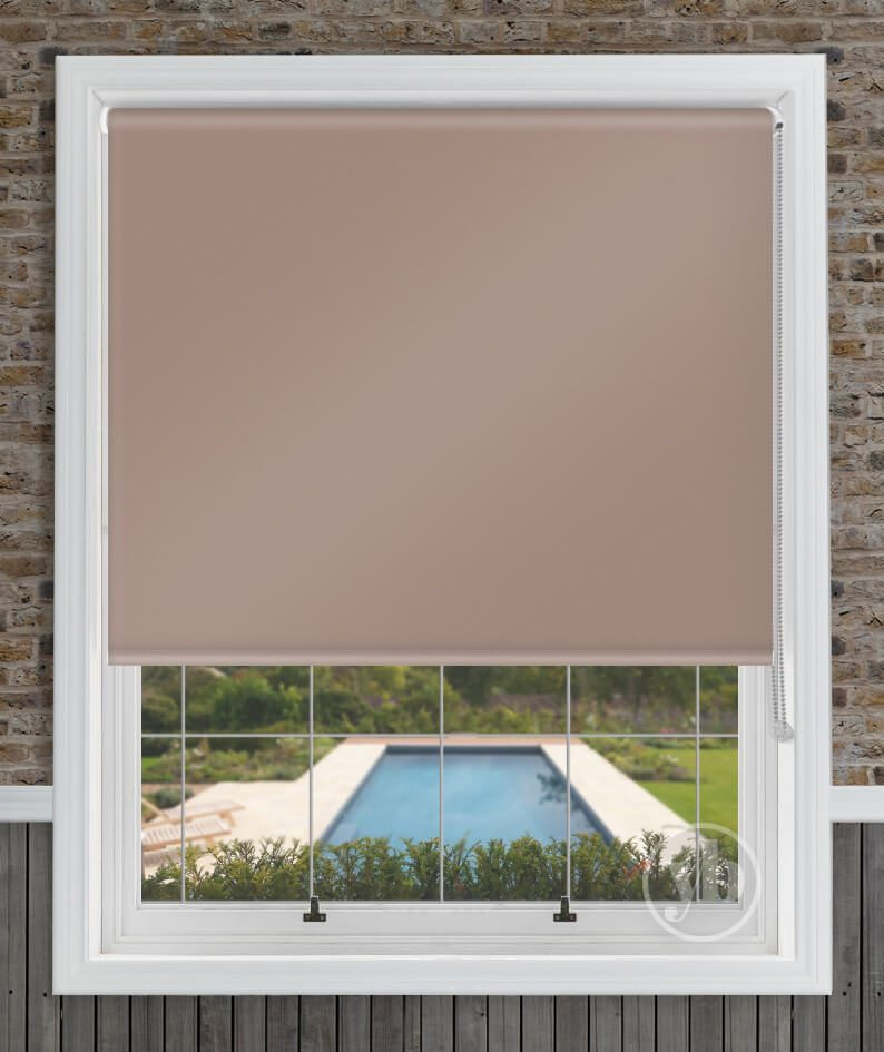 1.Palette-Taupe-window