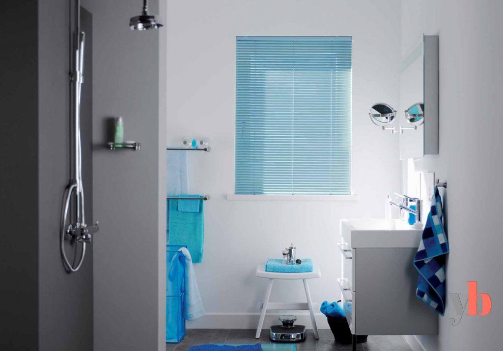 Blue Venetian Blinds in Bathroom